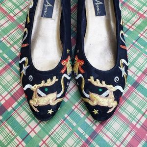 ♡Vintage♡🎄Embroidered Holiday Cheer Suede Flats